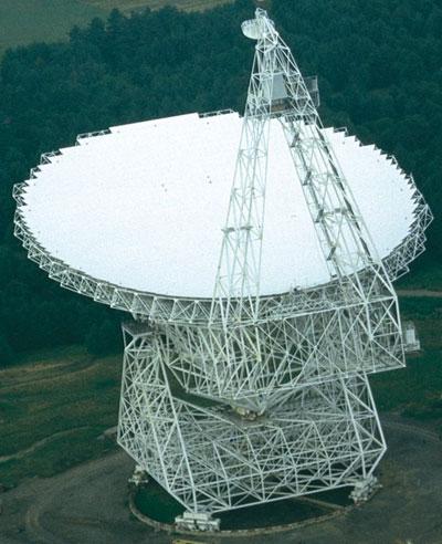 Рис. 1. Радиотелескоп с диаметром зеркала 100 м в Грин Бенке, США
