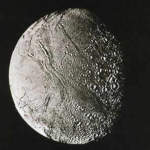 Энцелад был открыт Уильямом Гершелем в 1789 г.