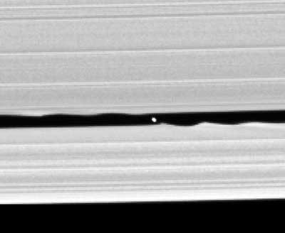Новый спутник Сатурна
