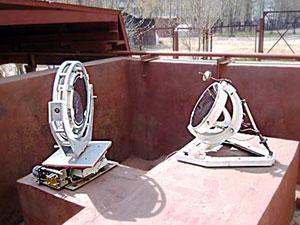 Целостат, установленный в специальной пристройке с откатывающейся крышей