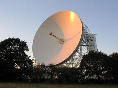 76-м радиотелескоп Ловелла (Lovell Radio Telescope) обсерватории Джодрелл Бэнк в Англии.